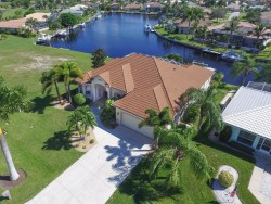SPECTACULAR SAILBOAT ACCESS POOL HOME IN BURNT STORE ISLES